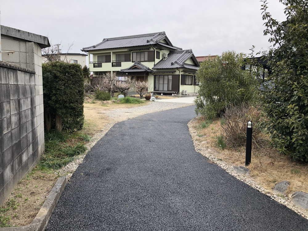 【愛知県知多市】砂利の通路をアスファルト舗装